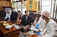 汪洋在西藏调研