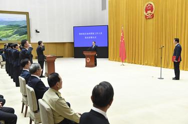 国务院举行宪法宣誓仪式 李克强监誓