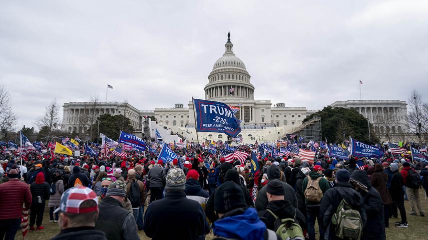 特朗普支持者闯入国会打断大选结果认证