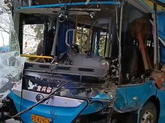 宜兴一公交车与重型货车相撞 致5死10伤