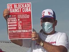 古巴民众游行抗议美国对古封锁