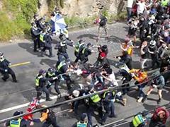澳大利亚爆发反封锁抗议 警民对峙