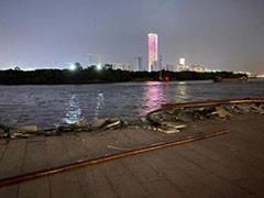 上海徐汇滨江亲水平台昨晚遭船舶撞击