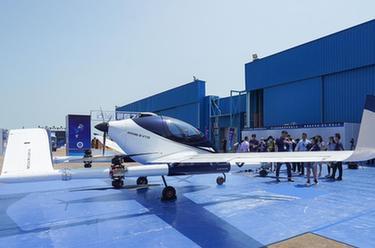 第十三届中国国际航空航天博览会今天开幕